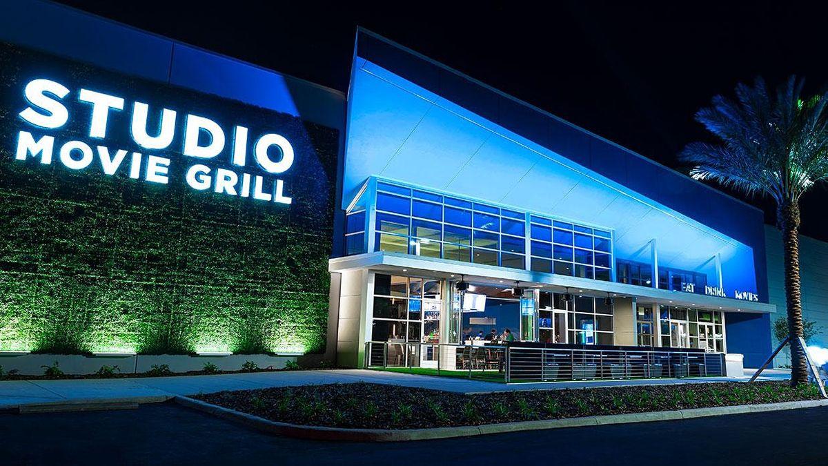 Travursity Travel Showcase, Studio Movie Grill - Sunset Walk, Orlando, FL
