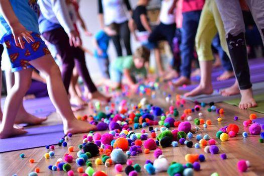 Free Kidding Around Yoga Family Class, Munich