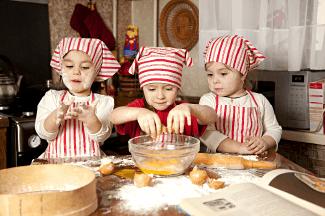 Maggiano's Kids Cooking Class Back to School Apple Crostada
