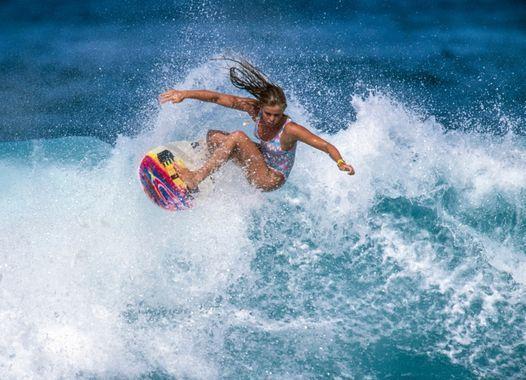 Surf Film Nacht M\u00fcnchen: GIRLS CAN'T SURF - European Tour