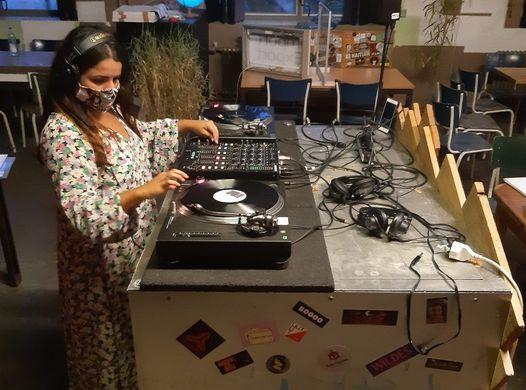 Female* DJ Workshop Vinyl Only \u2022 ab 18 Jahren