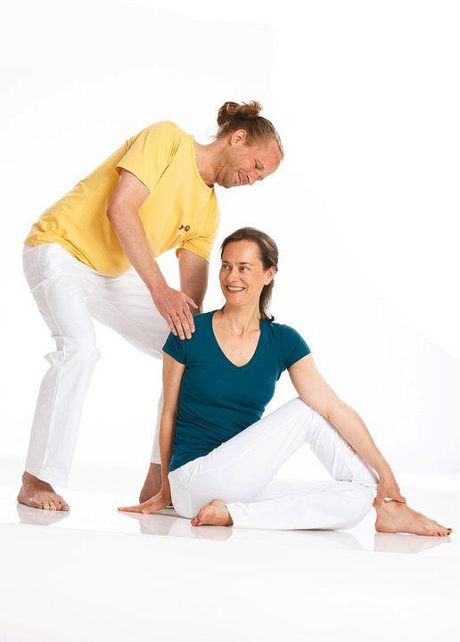 Yogatherapie Ausbildung Byv In Tubingen Yoga Vidya Tubingen Ofterdingen 19 June To 20 June