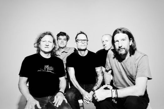 Bleaulive presents Gin Blossoms