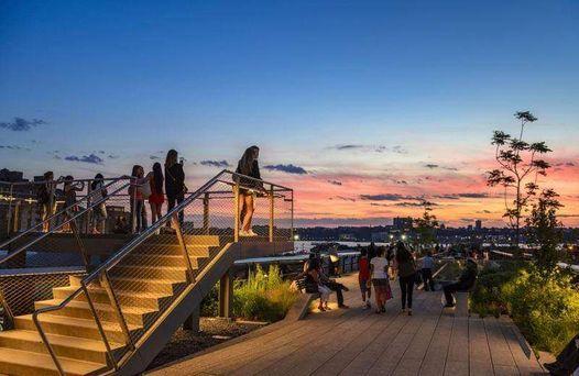 High Line Sunset Scavenger Hunt & Cocktails (Multiple Dates)
