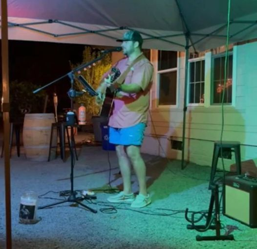 Live music with Brandon Wright