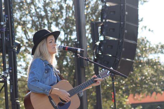 LYDA live at Magnolia