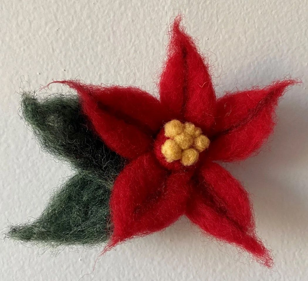 Felted Poinsettia Ornaments w\/Rock Paper Plant