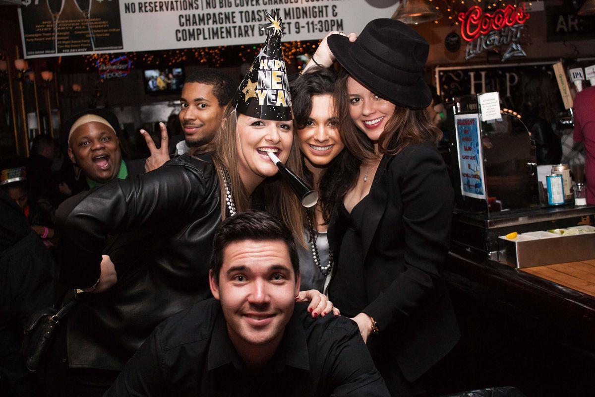 2022 Dallas New Year's Eve (NYE) Bar Crawl