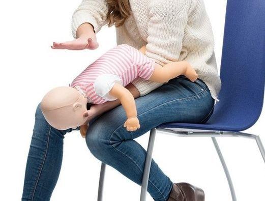 Kindernotfalltraining: Richtig reagieren bei Kindernotf\u00e4llen