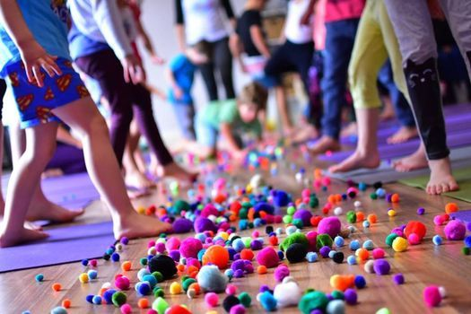 Free Kidding Around Yoga Family Class, Manchester