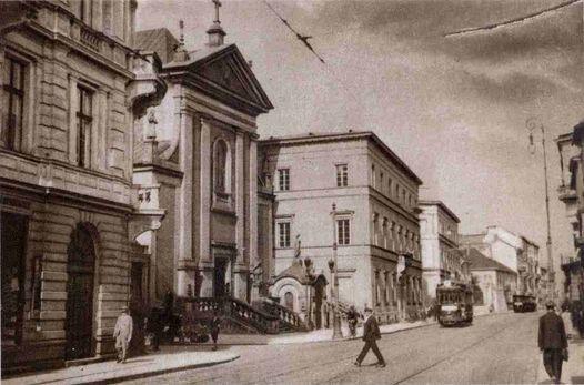 Tajemnice najs\u0142odszej ulicy Warszawy