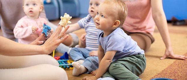 Syli soi -musiikkipyh\u00e4koulu 0-3 -vuotiaille aikuisen kanssa