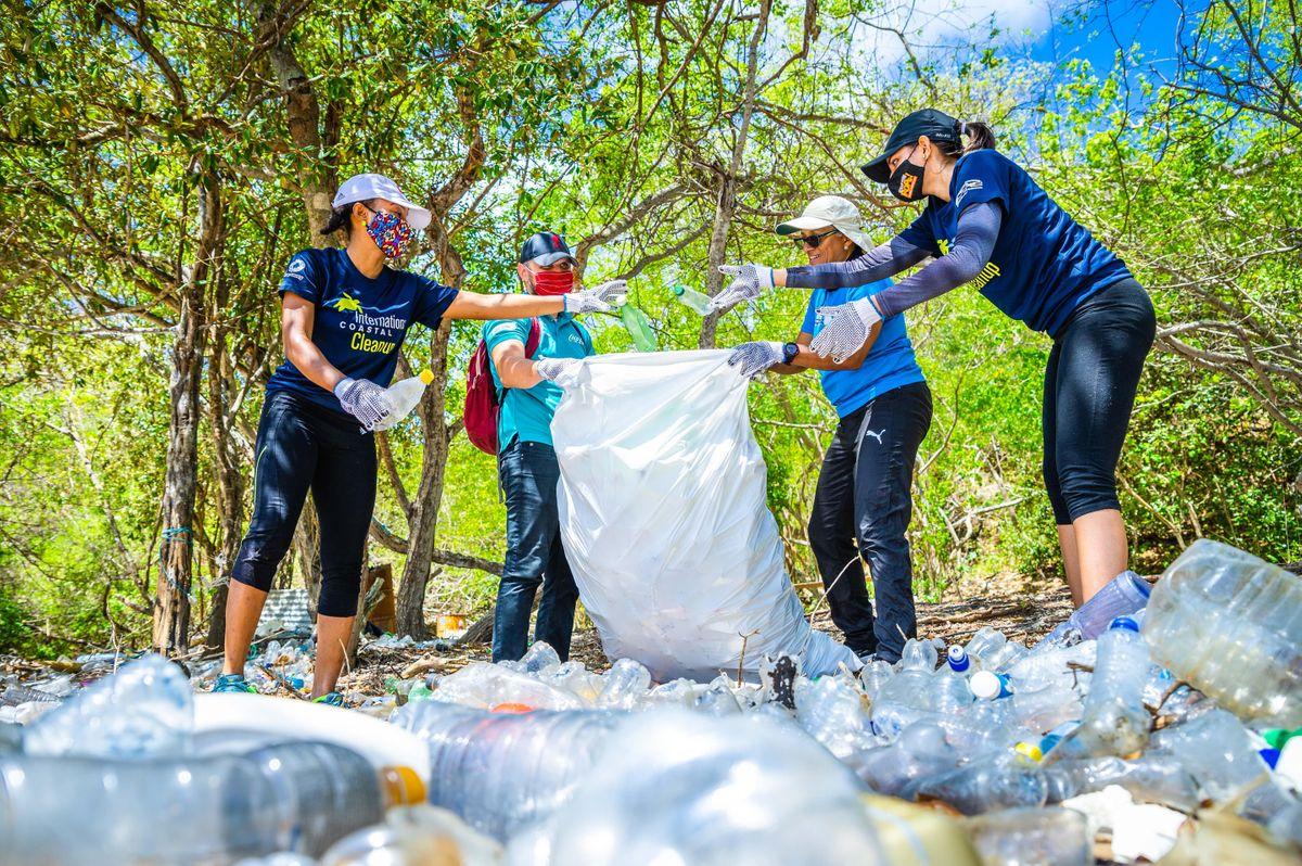 2021 International Coastal Cleanup Miami Beach, North Beach Bandshell